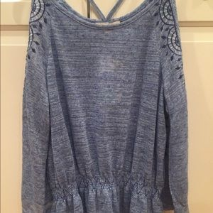New with tags skies are blue cold shoulder top